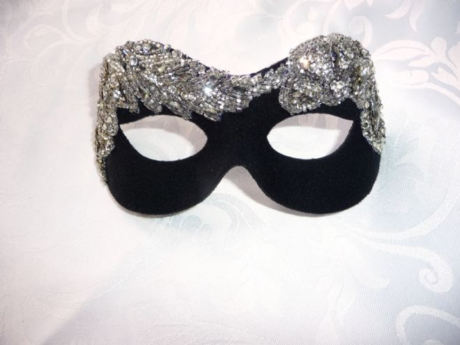 Baroque style Black & Silver beaded masquerade mask (b)